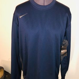 New men's Nike Therma-Fit Shirt Large